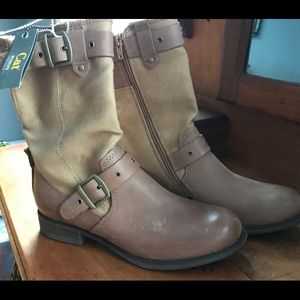 Cat Caterpillar Monk Buckle Boots NWT SZ 8.5 NWT